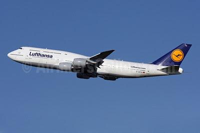 Lufthansa Boeing 747-830 D-ABYA (msn 37827) IAD (Brian McDonough). Image: 908519.