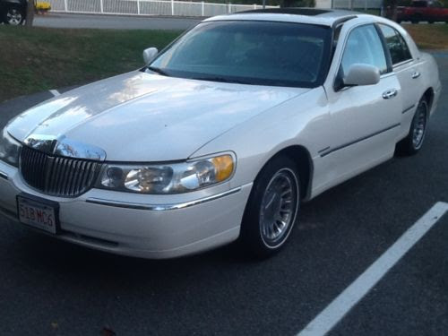 Sell Used Lincoln Town Car 1998 Cartier Very Clean In Boston Massachusetts United States