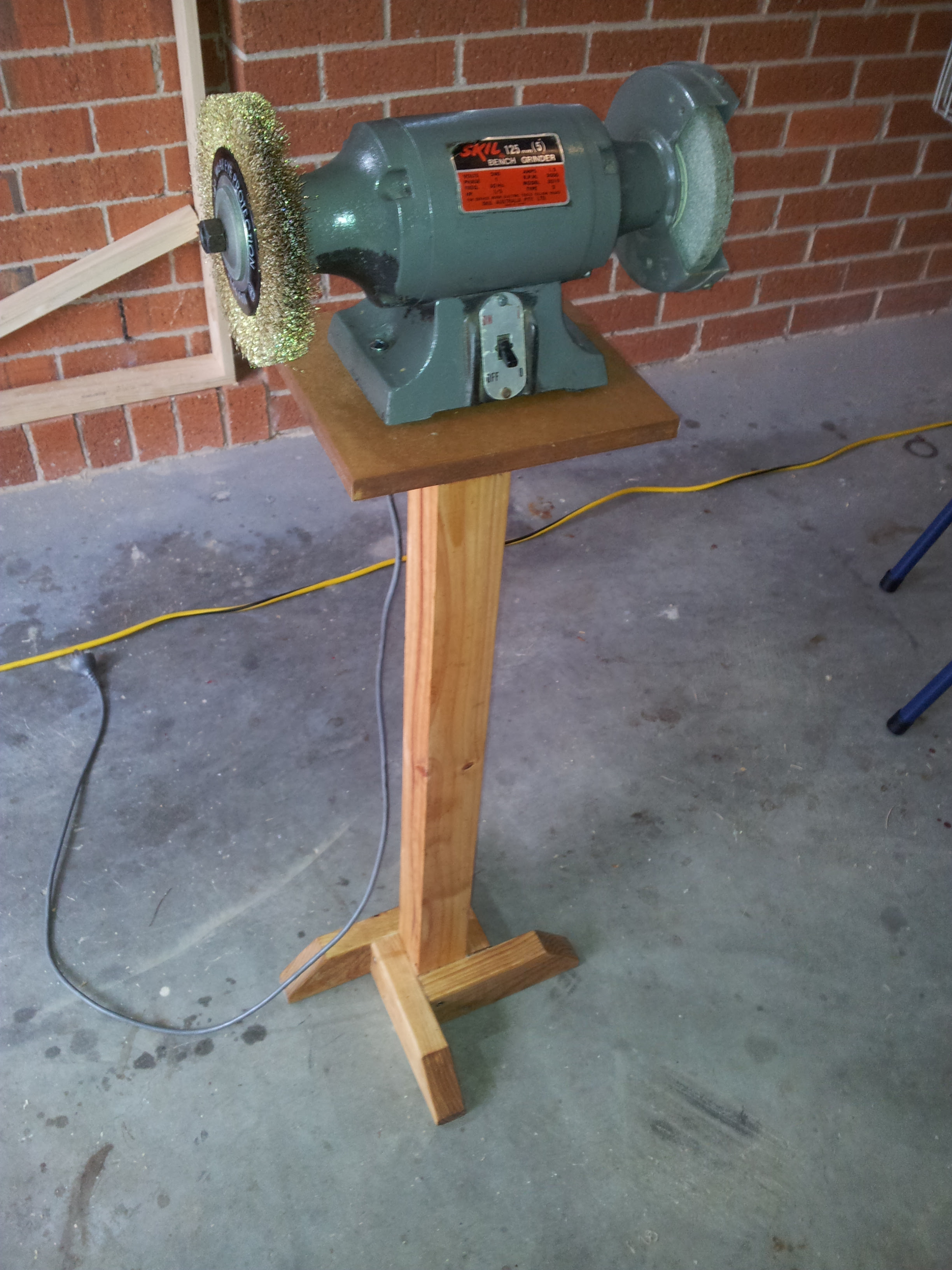 Peachy Fine Woodworking Bench Grinder Review Caraccident5 Cool Chair Designs And Ideas Caraccident5Info