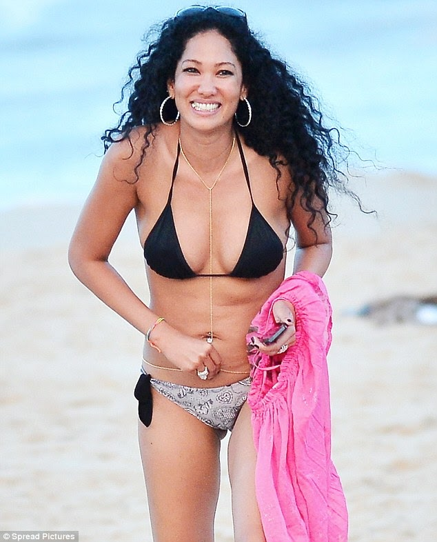 Beach Body? Kimora Lee