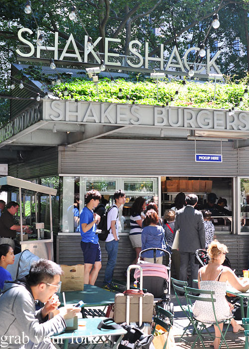 outdoor seating at shake shack hamburgers madison square park nyc new york usa