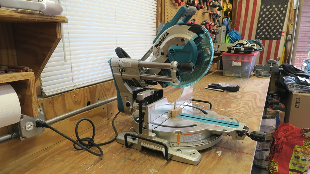 Makita Ls1019l Miter Saw Review Tools In Action Power Tool Reviews