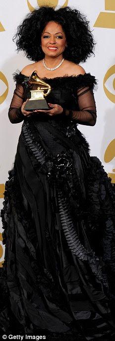 Vencedores: (LR) Taylor Swift, Diana Ross, Alison Krauss e Melanie Fiona todos levou para casa Grammys