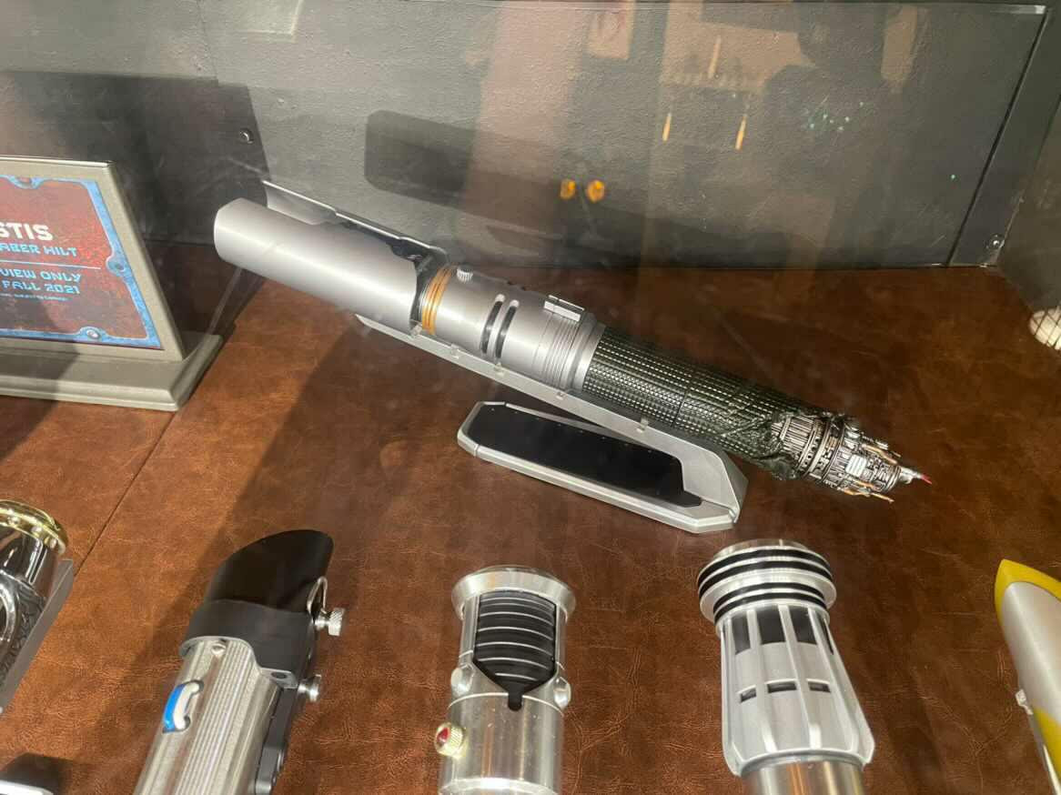 Cal Kestis Official Legacy Lightsaber Reveal - Coming this Fall! | Anakin and His Angel