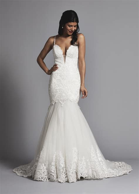Romantic Spaghetti Strap Lace And Tulle Mermaid Wedding