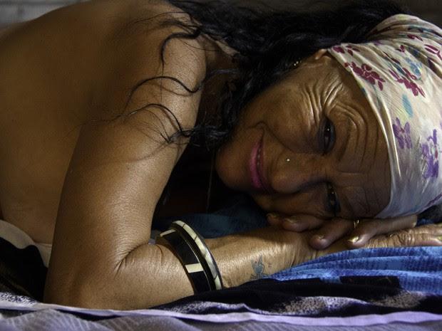 O fotógrafo Roberto Abreu registrou as prostitutas da Praça Tiradentes. (Foto: Roberto Abreu/ Divulgação)