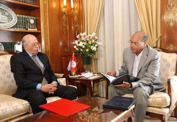 Chedly Ayari, le fantoche du FMI, avec Moncef Marzouki le pantin des Frères musulmans et le mercenaire No1 du Qatar.