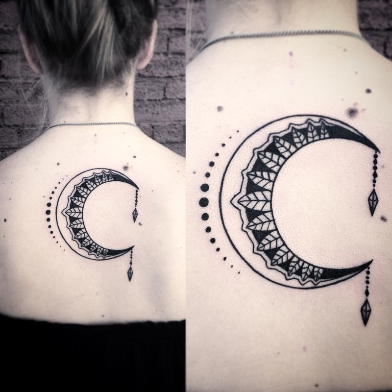 The Hidden Meanings Behind The Crescent Moon Tattoo Tattoos Win