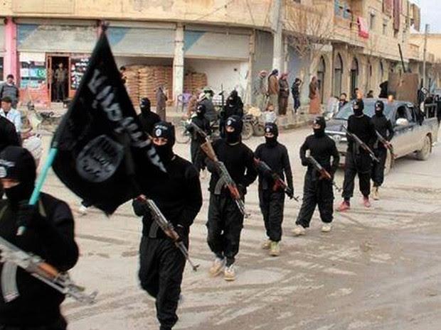 As forças do 'Estado Islâmico' tomaram Raqqa em janeiro do ano passado (Foto: AP Photo/Militant Website, File )