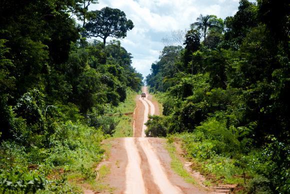 Estrada que leva ao distrito de Guariba e marca o limite da Terra Indígena Kawahiva do Rio PardoMarcelo Camargo/Agência Brasil