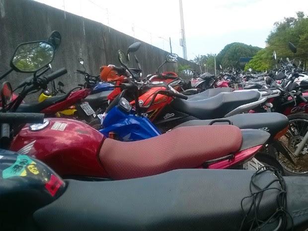 Automóveis e motocicletas foram divididos em 702 lotes  (Foto: Divulgação/Detran-RN)