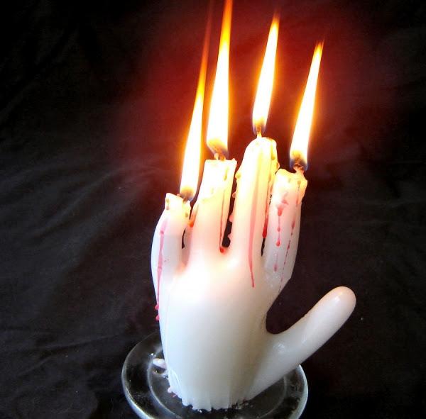 Страховити свещи за Хелоуин