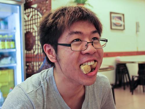 Mouth full-o-stinky tofu