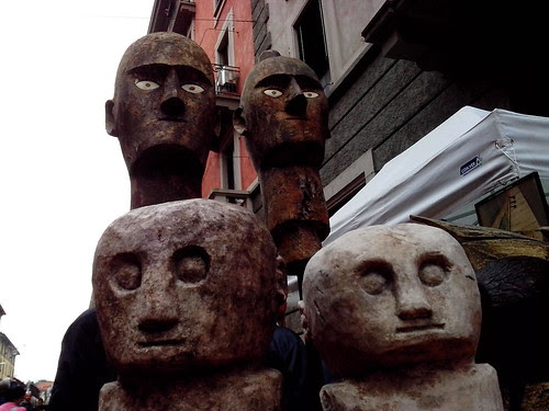Un gruppo di primitivi by Ylbert Durishti