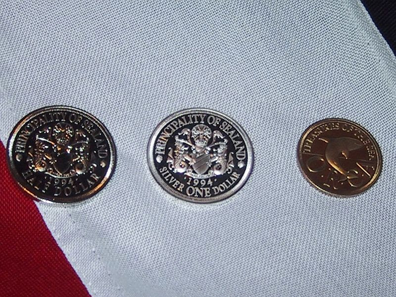 Archivo: Sealand monedas flag.jpg