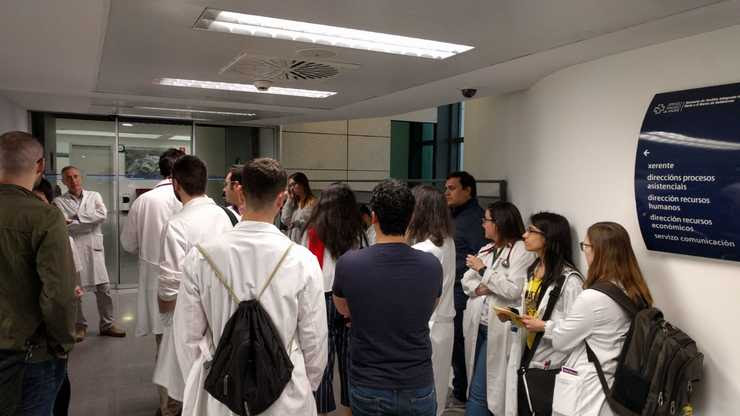 Xuntanza dos médicos internos residentes do CHUO co xerente.