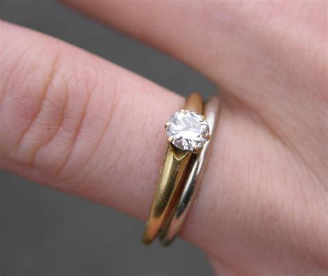 File:Wedding and Engagement Rings 2151px