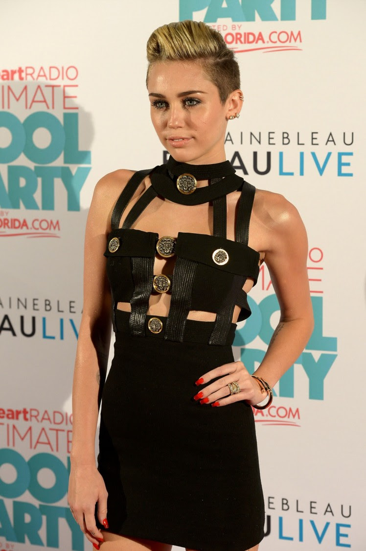 Miley-Cyrus-iHeart-Radio-Ultimate-Pool-Party-in-Miami-Beach-Pictures-Images-13