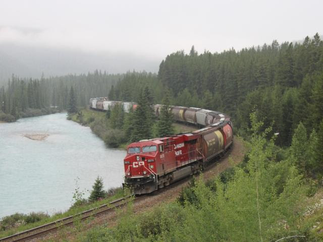 CP 8875 at Morant's Curve