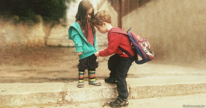 Fotos maravilhosas mostrando a alegria de ter irmãos