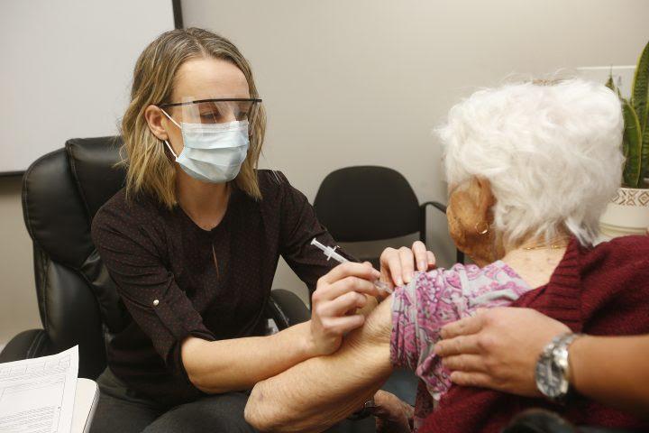 COVID-19 cases at Central Okanagan seniors facilities plateau as Interior Health numbers decline