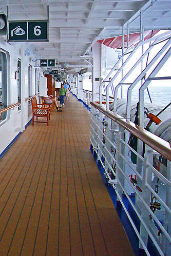 Promenade Deck on Star Princess