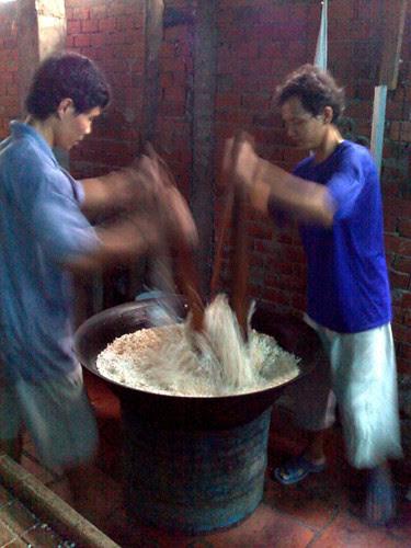 Making Vietnamese Rice Krispies