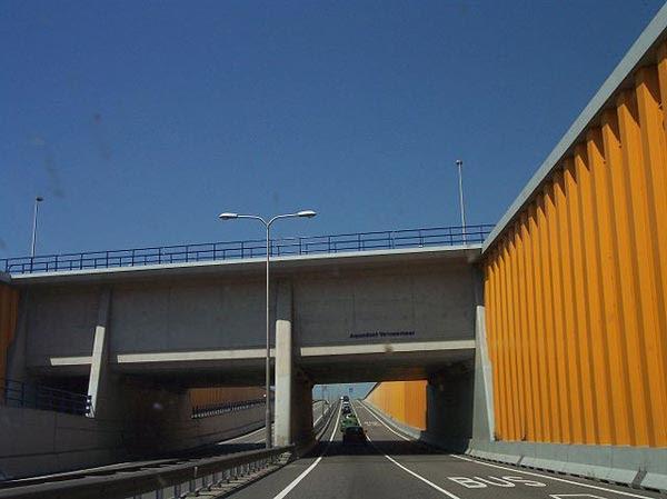 perierga.gr - Ένα εκπληκτικό υποβρύχιο τούνελ!