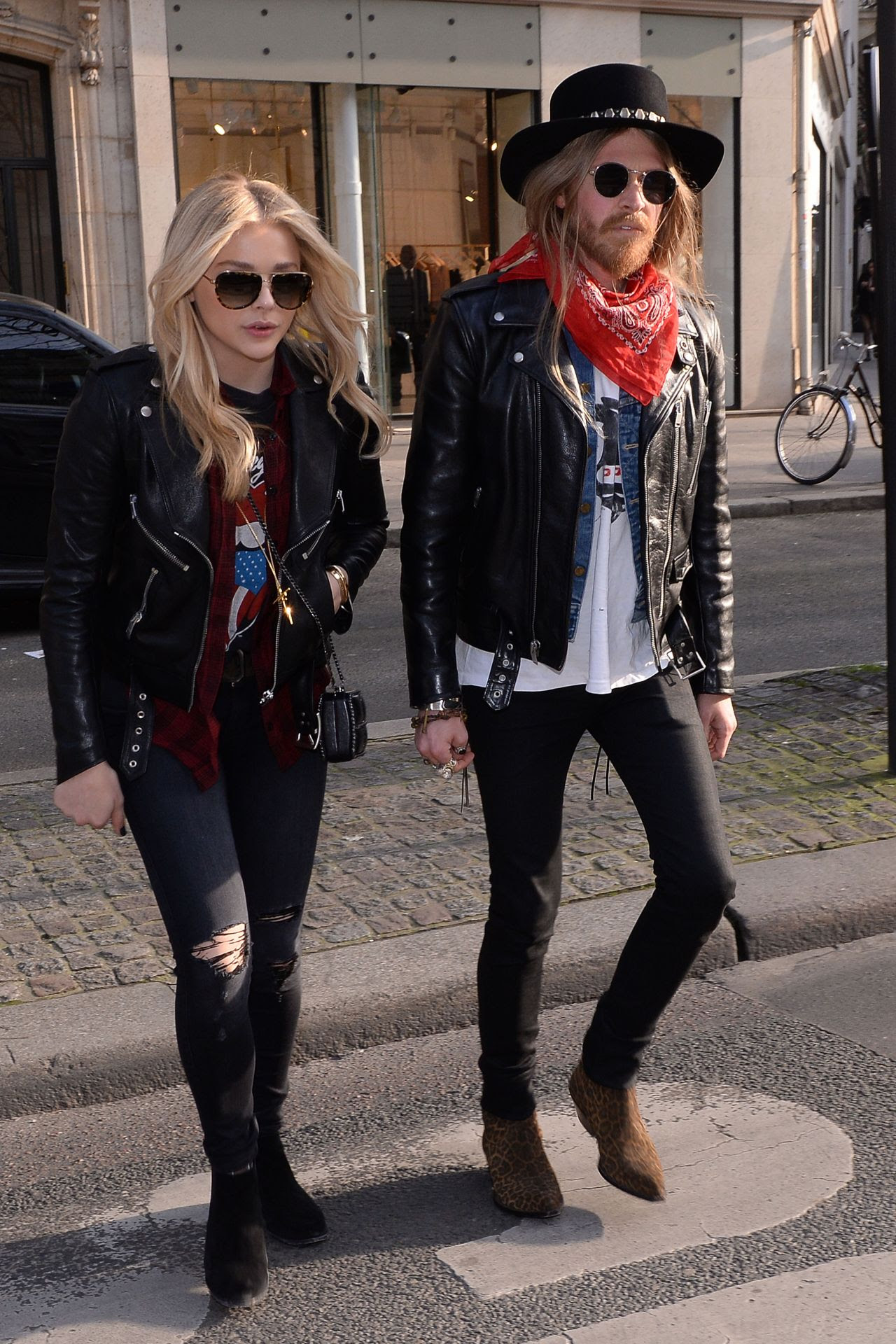 http://celebmafia.com/wp-content/uploads/2015/03/chloe-moretz-street-style-out-in-paris-march-2015_6.jpg