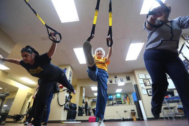 Academia especializada em idosos faz sucesso em Manhattan Chang W. Lee/NYTNS