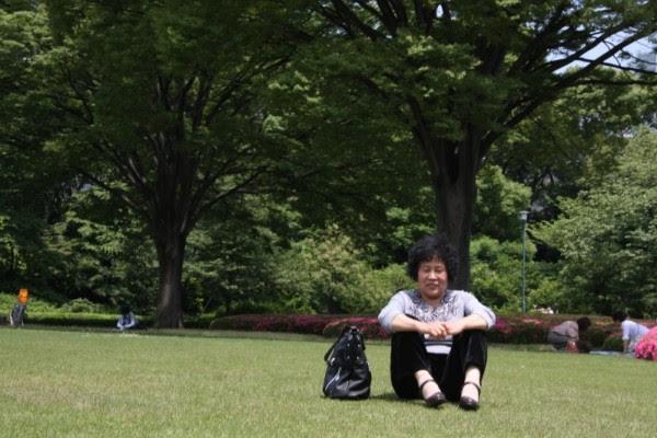 6月14日,辽宁丹东市法轮功学员毕桂英在向当地民众发送法轮功真相资料时被非法抓捕。(大纪元)