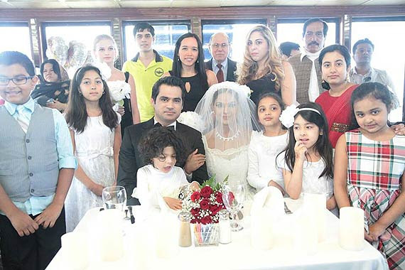 veena-malik-white-wedding4