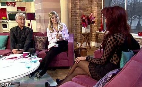 """""""Nós somos como The Osbournes ': Amy apareceu nesta manhã para promover sua série É Tudo Sobre Amy, que apresenta sua família em"""