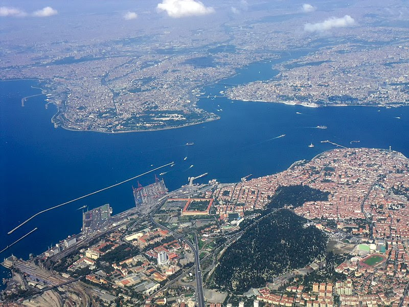 Dosya:Heart Of Istanbul From Air.jpg