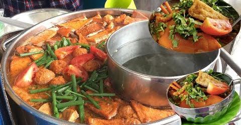 Tô Bún Riêu đầy ắp thịt nổi tiếng khu Người Hoa