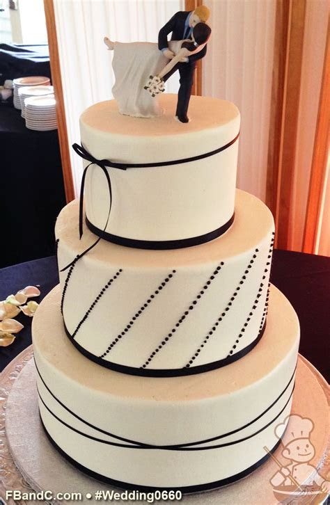"Design W 0660   Butter Cream Wedding Cake   12"" 9"" 6"