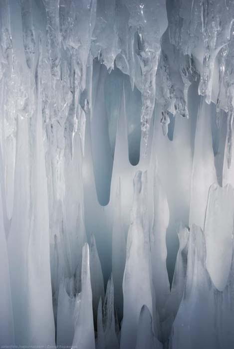 Παγωμένη λίμνη Baikal στη Σιβηρία (15)