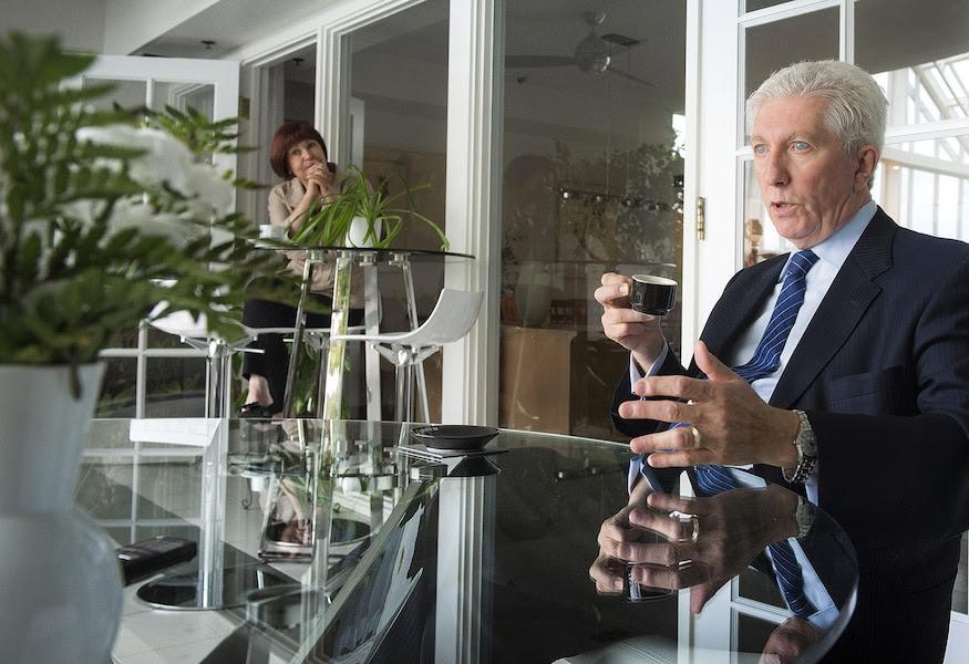 Gilles Duceppe a accordé une entrevue au Journal à sa résidence, hier, sous le regard de son épouse, Yolande Brunelle.