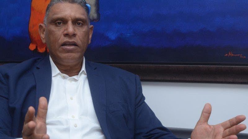 Jesús Vásquez, durante una entrevista en el periódico Hoy .