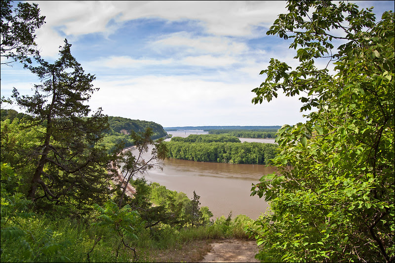 View of the Mississippi River from atop the Palisades