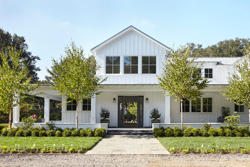 modern farmhouse exterior architecture