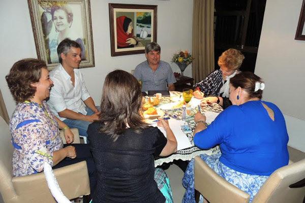 Wilma de Faria reúne os deputados que integram a bancada do PSB na Câmara e Assembleia
