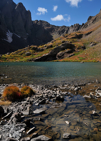 Upper South Colony Lake and autumn colors on the tundra