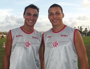 Alfredo e Rafinha foram revelados nas bases do São Paulo e jogaram juntos em 2010 (Foto: Klênyo Galvão)