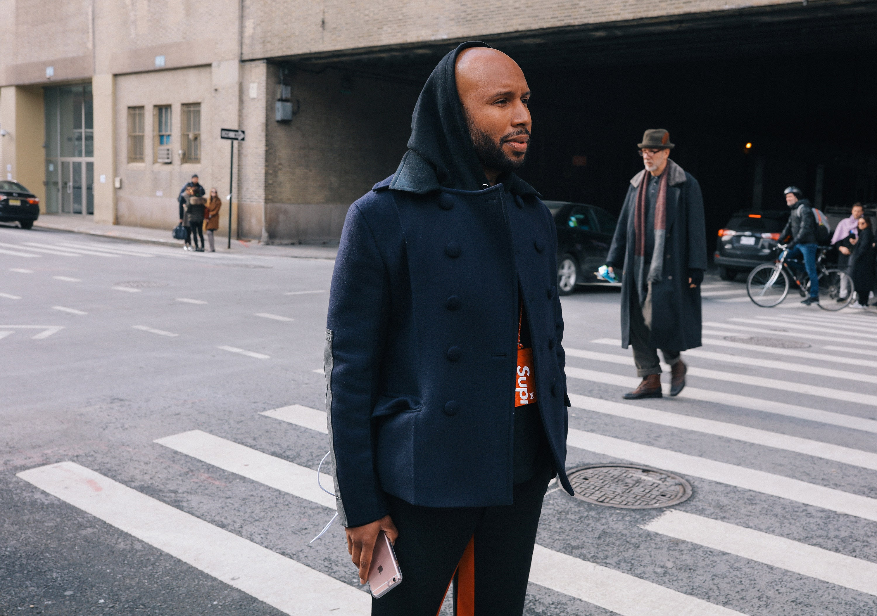 http://assets.vogue.com/photos/5893654ab4a4bd466012c3c0/master/pass/20-phil-oh-mens-nyfw-day-2-2017.jpg