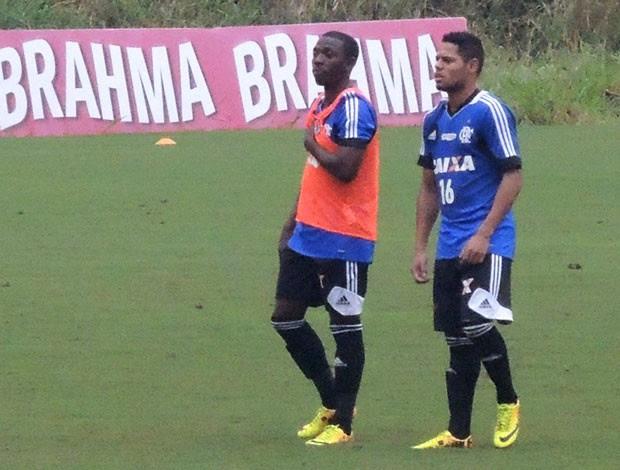 Fernandinho treino Flamengo (Foto: Cahê Mota)