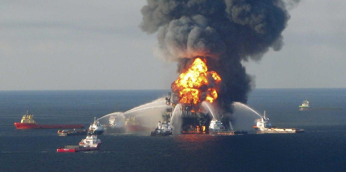 Resultado de imagem para deepwater horizon 2010