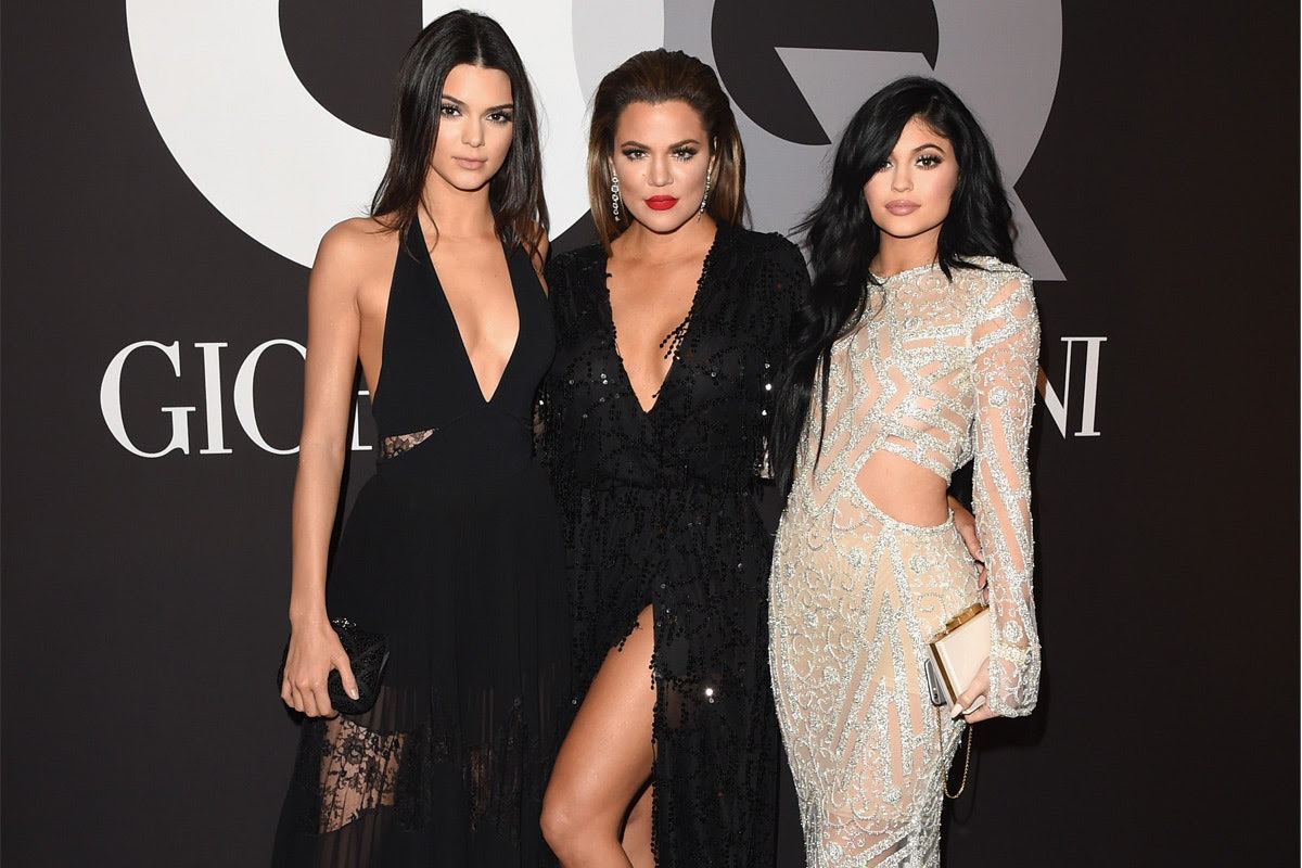 kendall-jenner-and-khloe-kardashian-stand-up-for-themselves-following-shady-diet-shakes-and-scam-fyre-festival-promotion