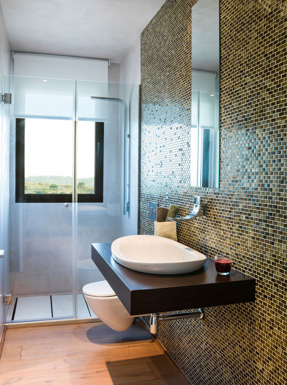 Concrete Home Combines Earth Tones with Minimalist ...