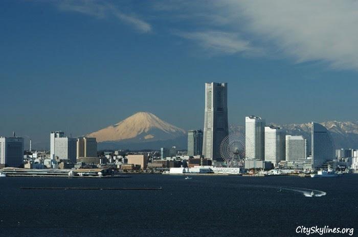 http://cityskylines.org/images/uploads/2012/05/yokohama-japan-77-skyline.jpg